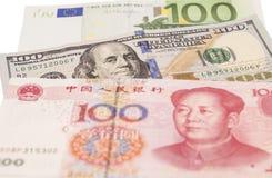 Dollari americani, euro e fatture cinesi europee di yuan Immagine Stock Libera da Diritti