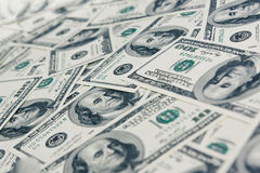 Dollari di priorità bassa fatta di cento fatture del dollaro Fotografia Stock Libera da Diritti