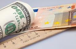 Dollari e euro del rotolo Fotografia Stock Libera da Diritti