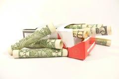 Dollari nel pacchetto della sigaretta Fotografie Stock