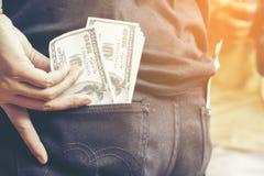 Dollari nella tasca del pacco dei jeans dei soldi dei dollari Fotografia Stock Libera da Diritti