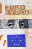 Dollaro al di sotto dell'euro Immagini Stock Libere da Diritti