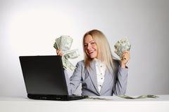 Dollaro della donna di affari in mani Immagine Stock