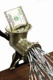 100 dollarrekening in een gehaktmolen Stock Foto