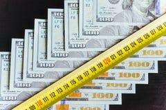 Dollars américains Cent billets de banque du dollar, 100 Photographie stock libre de droits