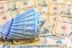 Dollars américains d'argent d'argent liquide Photo stock