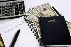 Dollars avec le passeport et la calculatrice