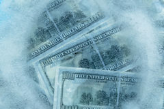 100 dollars de fonte congelée Photo stock