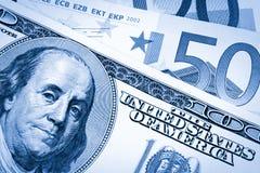 Dollars de V.S. en euro, met twee tonaliteiten Stock Foto's