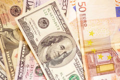 Dollars en Euro. Royalty-vrije Stock Afbeelding