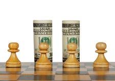 Dollars op de schaakraad Royalty-vrije Stock Foto's