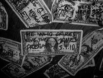 Dollars op een barmuur Royalty-vrije Stock Foto