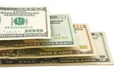 Dollars US Dans l'échelle, d'isolement Photos stock