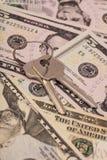 Dollars US et clés Photographie stock