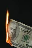 Dollarschein auf Feuer Lizenzfreies Stockbild