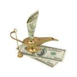 Dollarschein, der aus Wunderlampe von Aladdin heraus haftet Stockfotografie
