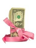 Dollarscheine gebunden in rosafarbene Farbbänder Lizenzfreies Stockfoto