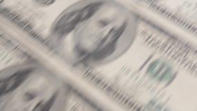 100 Dollarsrekeningen op een Transportband stock video