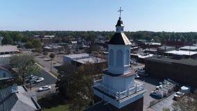 Dolly Aerial Establishing Shot di andata della cittadina Salem Ohio U.S.A. stock footage