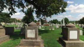 Dolly Right Establishing Shot del cementerio del congreso en Washington DC almacen de metraje de vídeo