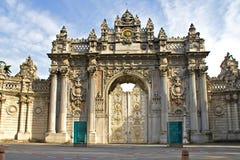 Dolmabahce宫殿入口 免版税库存照片