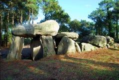 Dolmen av Mane Kerioned i Brittany, Frankrike arkivfoton