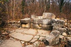 Dolmen de piedra antiguo, Rusia Imagenes de archivo