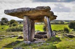 Dolmen de Polnabrone em Burren Imagens de Stock