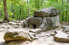 Dolmen in de Zhane-riviervallei, Rusland Royalty-vrije Stock Afbeeldingen
