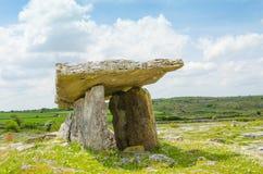 Dolmen di Poulnabrone, Repubblica Irlandese Fotografia Stock
