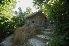 Dolmen in Gelendzhik Krasnodargebied Rusland 22 05 2016 Royalty-vrije Stock Afbeeldingen