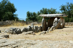 Dolmendella Chianca i den Bisceglie staden, Apulia, Italien royaltyfri fotografi