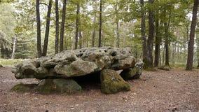 Dolmenla Grosse Pierre, voorhistorische stenen in Normandië, PAN stock video