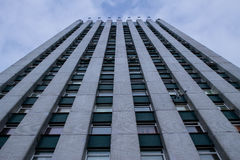 Dolny widok wysoki budynek Zdjęcia Royalty Free