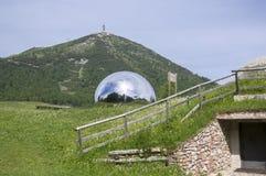 Dolomia, alpi italiane, delle astronomico nascosto Stelle di Terrazza dell'osservatorio in palla vicino al monte di Palon Immagine Stock