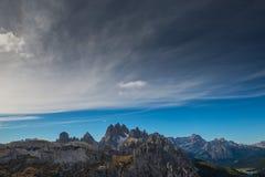 Dolomia in autunno, montagna del sud del Tirolo, turismo di Italien Fotografie Stock Libere da Diritti
