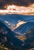 Dolomia maestose catena montuosa, valle con il dolom del sud del Tirolo Fotografia Stock