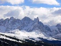 Dolomit-Berg in Italien mit felsigen Spitzen im Winter Lizenzfreie Stockfotos
