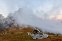 Dolomit góry Passo Di Giau, Monte Gusela przy behind N Fotografia Royalty Free