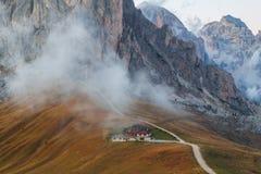 Dolomit góry Passo Di Giau, Monte Gusela przy behind N Obrazy Stock
