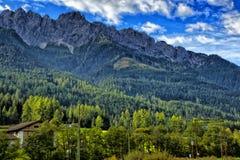 Dolomit nähern sich Cortina dAmpezzo Italien stockbild
