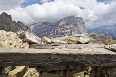 Dolomit panorama od Pierwszy wojna światowa okopu fotografia stock