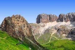 Dolomite nå en höjdpunkt, Sella Royaltyfria Bilder