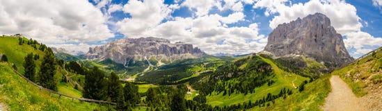 Dolomitebergsommar Sunny Alps Panorama arkivfoto