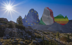 Dolomites berg av kamratskap royaltyfri foto