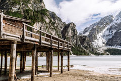 Dolomites de lac de wildsee de Pragser Image stock