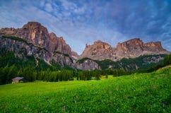 Dolomites pendant le lever de soleil, Italie Photo libre de droits