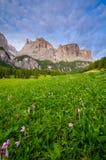 Dolomites pendant le lever de soleil, Italie Image stock