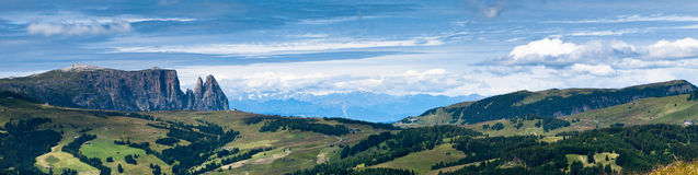 dolomitesitaly panorama Arkivbilder