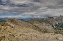 dolomitesliggandeberg arkivfoton